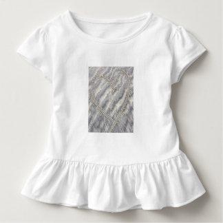 Camiseta Infantil Coração na areia, parte superior do plissado das