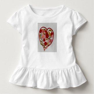 Camiseta Infantil Corações e T do plissado das flores