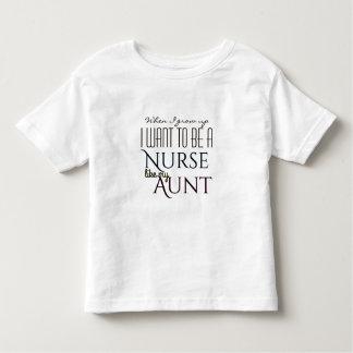 Camiseta Infantil Cresça acima para ser uma enfermeira como a tia
