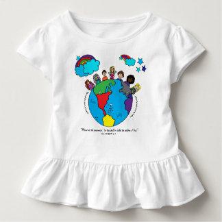 Camiseta Infantil Entregue miúdos tirados em torno do T do plissado