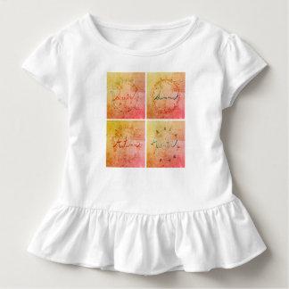 Camiseta Infantil Equipamento da criança de quatro estações