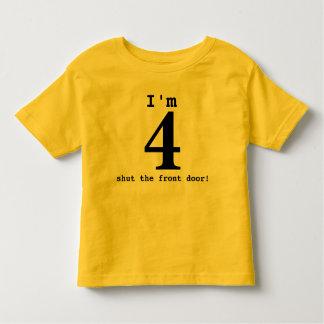 Camiseta Infantil Eu sou 4… fechei a porta da rua! Equipamento do