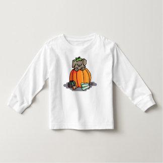 Camiseta Infantil Filhote de cachorro bonito em um t-shirt da
