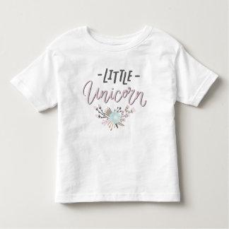 Camiseta Infantil Floral indicado por letras do rosa e da mão