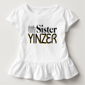 Camiseta Infantil Irmã mais nova Yinzer