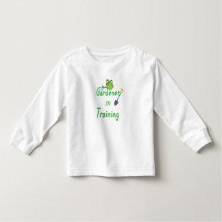 Camiseta Infantil Jardineiro no treinamento