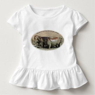 Camiseta Infantil Jogue o duro e obtenha a bacia de lavagem suja da