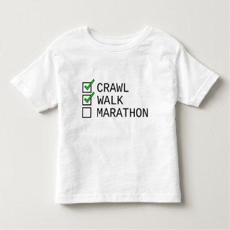 Camiseta Infantil Lista de verificação do bebê: Rastejamento,