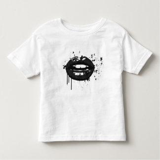 Camiseta Infantil Maquilhador à moda do beijo da forma dos lábios