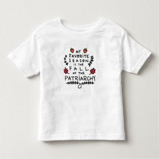 Camiseta Infantil Minha estação favorita é a queda do patriarcado