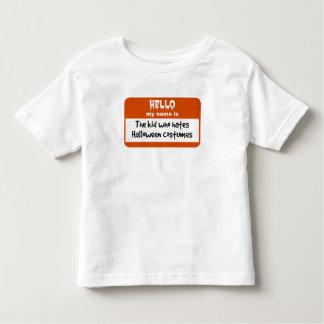 Camiseta Infantil Miúdo que deia o Nametag dos trajes do Dia das