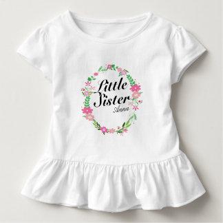 Camiseta Infantil Nome floral da grinalda da irmã mais velha