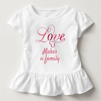 Camiseta Infantil O amor faz uma família, presentes da adopção