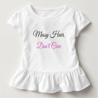 Camiseta Infantil O plissado da criança, cabelo desarrumado não se