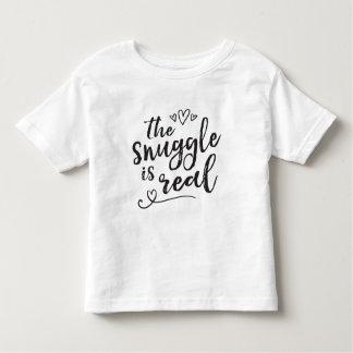 Camiseta Infantil O Snuggle é citações engraçadas reais