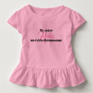 """Camiseta Infantil O Tshirt do plissado da criança """"minha irmã"""