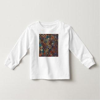 Camiseta Infantil Retalhos do vintage com elementos florais da