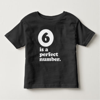 Camiseta Infantil seis são um T do aniversário do número perfeito