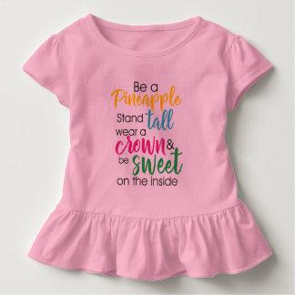 Camiseta Infantil Seja um desgaste do abacaxi um a coroa & seja