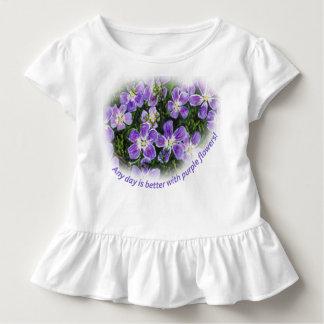 """Camiseta Infantil """"Todo o dia é melhor com a criança T das flores"""
