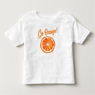 Camiseta Infantil Vão as laranjas! T-shirt da criança