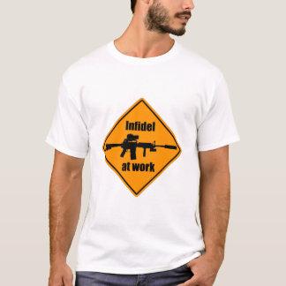 Camiseta Infiel no trabalho