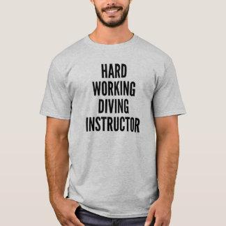 Camiseta Instrutor de trabalho duro do mergulho