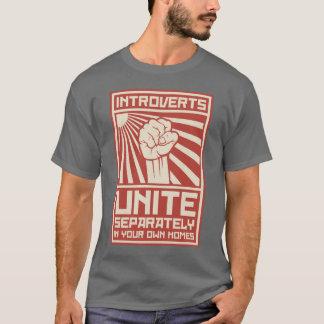 Camiseta Introverts unem-se separada em suas próprias casas