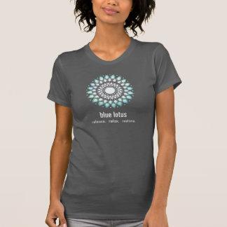 Camiseta Ioga de Lotus azul e curandeiro holístico da saúde