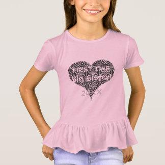 Camiseta Irmã da primeira vez & coração do laço