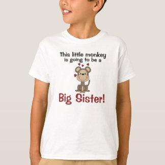 Camiseta Irmã mais velha pequena dos corações do macaco
