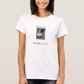 Camiseta iSmashed. Não deve você?