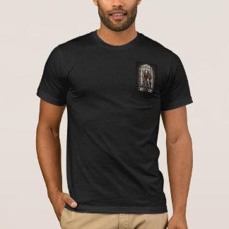 Camiseta Janela de vitral de St George - monograma