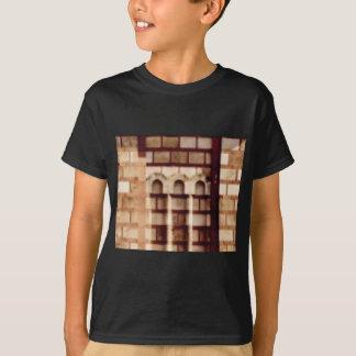 Camiseta janela marrom do bloco
