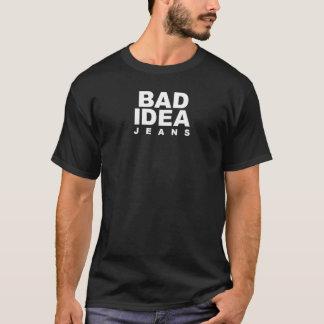 Camiseta jeans maus da ideia