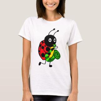 Camiseta Joaninha engraçado que joga a arte do saxofone