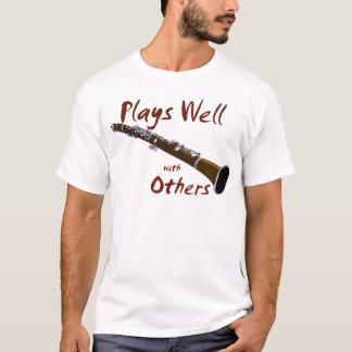 Camiseta Jogos bem com outro clarinete