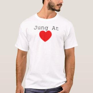 Camiseta Jung no coração