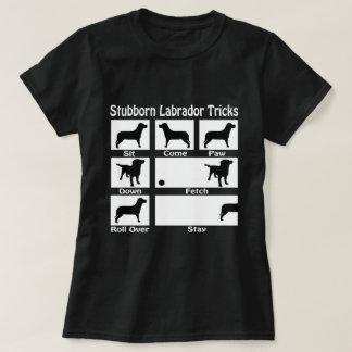 Camiseta Labrador teimoso engana o cão temático