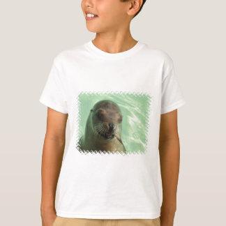 Camiseta Leão de mar com o t-shirt do miúdo dos peixes