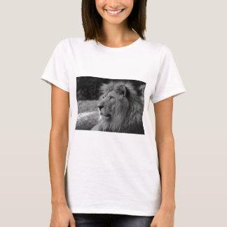 Camiseta Leão preto & branco - animal selvagem
