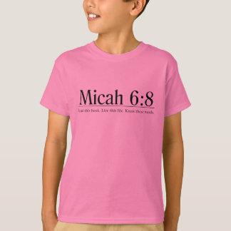 Camiseta Leia o 6:8 de Micah da bíblia