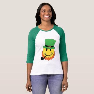 Camiseta Leprechaun de sorriso da cara