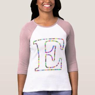 Camiseta Letra E da estrela do arco-íris