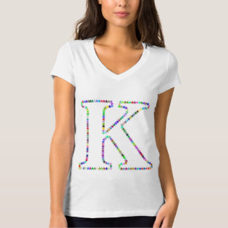 Camiseta Letra K da estrela do arco-íris