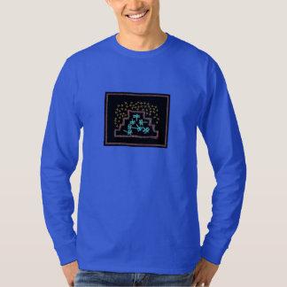 Camiseta Libélulas que jogam em uma montanha sob as