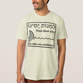 """Camiseta """"Limnot Yameinu/contagem semana 2013 do tubarão"""