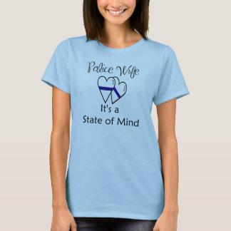 Camiseta linha azul corações