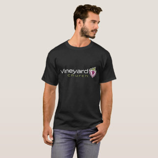 Camiseta Logotipo horizontal do vinhedo na obscuridade