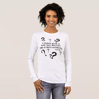 Camiseta longa da luva da suposição de uma mulher